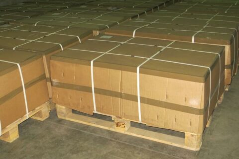 25-kg bags on wooden pallet